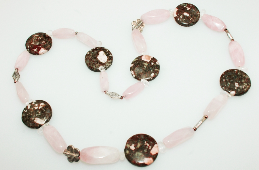 Rosenquarz-Achat Halskette mitBergkristall und 925er Silber Zwischenteile