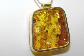 Bernstein Anhänger mit 925 Silber vergoldet