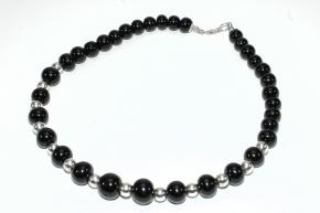 Wunderschöne Kugel Onyx -Halskette