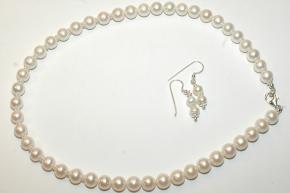 Set aus S.W. Perlen KetteWeiß mit 925er Silber und Ohrhänger
