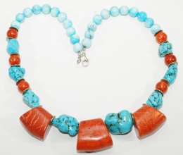 Wunderschöne Türkis/Koralle-Halskette