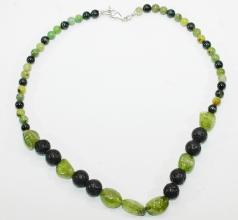 Peridot Nuggets/Burma Jade und Lava-Halskette mit 925er Silber