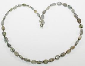 Labradorit-Halskette (Oliven) mit 925er Silber