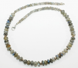 Labradorit-Halskette mit 925er Silber Zwischenteile