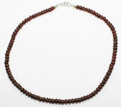 Wunderschöner Granat Halskette Reifen, mit 925er Silber Verschluss