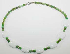 Wunderschöne Burma Jade und Weiße Koralle Halskette mit 925er Silber