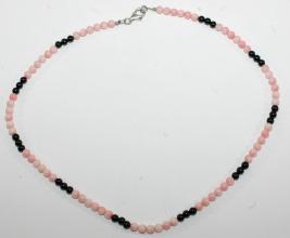 Wunderschöne Rosakoralle/Onyx-Halskette