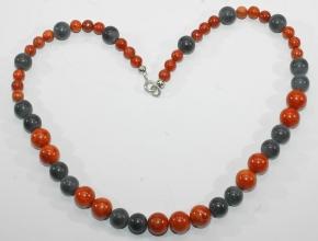 Wunderschöne Schaumkoralle/Onyx-Halskette