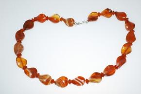 Carneol-Halskette Oval gedreht mit925er Silberkarabiner Verschluss Carneol: ca. 16 x 20 mm