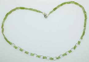 Wunderschöner Peridot-Bergkristall Halskette mit 925er Silber