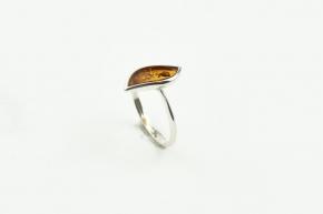 Wunderschöner Bernstein Ring in 925er Silber gefasst